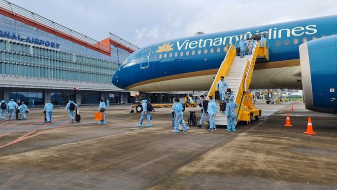 Hàng không định mở lại bay quốc tế trong quý IV